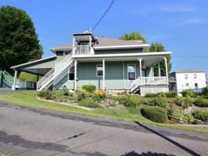 21745182 - Maison à étages à vendre