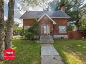 21910720 - Maison à étages à vendre