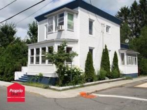 25351526 - Maison à étages à vendre
