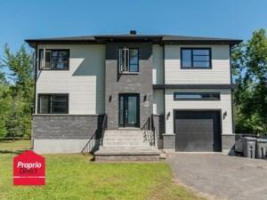 25391537 - Maison à étages à vendre