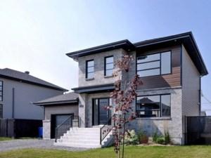 28232679 - Maison à étages à vendre