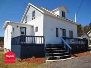 23653930 - Maison à étages à vendre