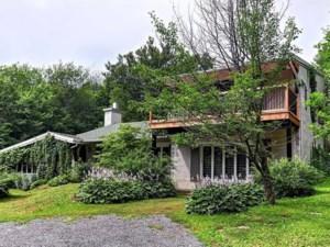 13561504 - Maison à étages à vendre