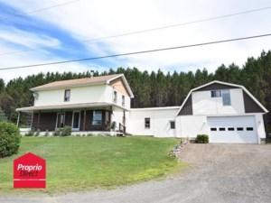 28258471 - Maison à étages à vendre