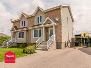 19471221 - Cottage-jumelé à vendre