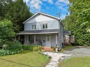 17103385 - Maison à étages à vendre