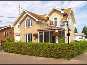26756139 - Maison à étages à vendre
