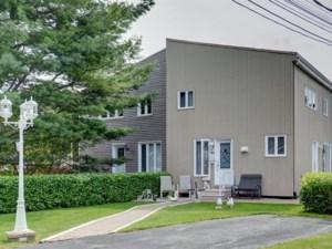 24131321 - Maison à étages à vendre