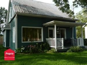 15091221 - Maison à étages à vendre