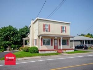 23525192 - Maison à étages à vendre