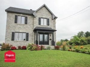 17528717 - Maison à étages à vendre