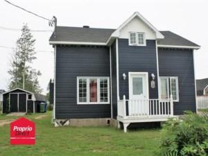 28049758 - Maison à étages à vendre