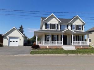 15728796 - Maison à étages à vendre