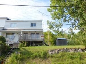 17999591 - Maison à étages à vendre