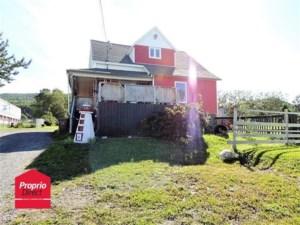 24362626 - Maison à étages à vendre
