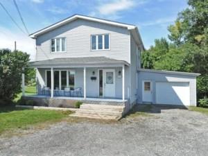 26718080 - Maison à étages à vendre