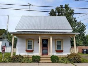 15912736 - Maison à étages à vendre