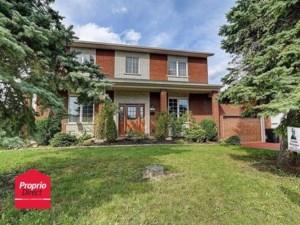 13026004 - Maison à étages à vendre