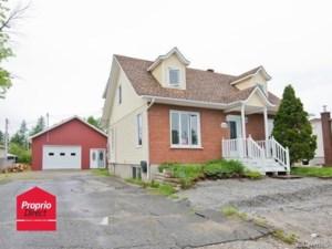 20548391 - Maison à étages à vendre