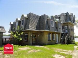 22673692 - Maison à étages à vendre