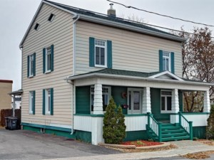 11193135 - Maison à étages à vendre