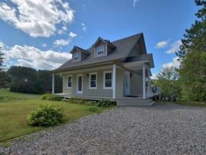12570229 - Maison à étages à vendre