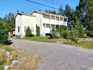 15699366 - Maison à étages à vendre