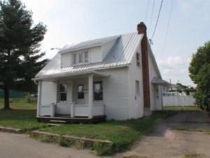 18596773 - Maison à étages à vendre