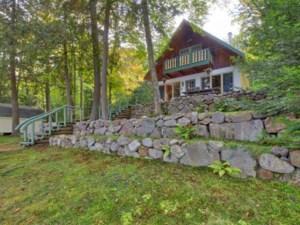 24361745 - Maison à étages à vendre