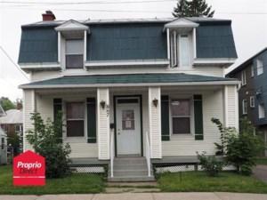 18215349 - Maison à étages à vendre