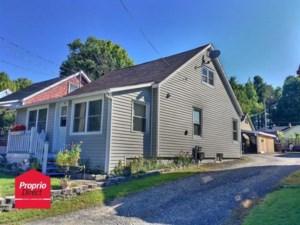 23899203 - Maison à étages à vendre