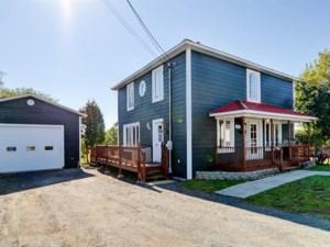 21370259 - Maison à étages à vendre