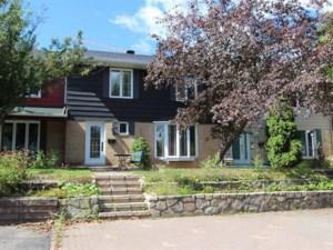 26120585 - Maison à étages à vendre