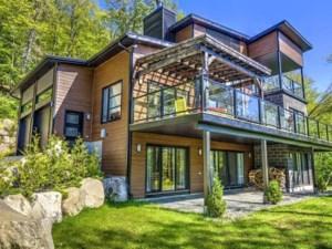22358232 - Maison à étages à vendre