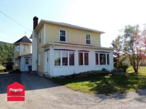 18383924 - Maison à étages à vendre
