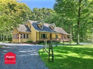 15584408 - Maison à étages à vendre