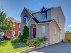 26186473 - Maison à étages à vendre