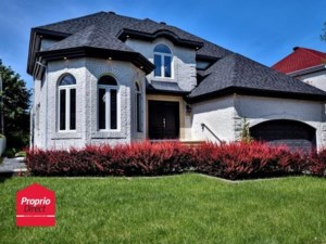 23320723 - Maison à étages à vendre