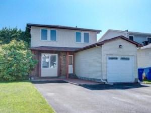 21989415 - Maison à étages à vendre