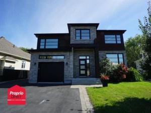 23614193 - Maison à étages à vendre
