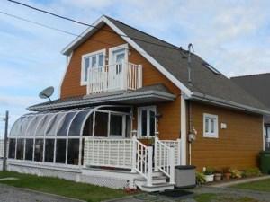 18213781 - Maison à étages à vendre