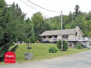 17501257 - Maison à étages à vendre