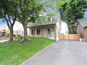 24997013 - Maison à étages à vendre