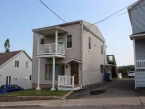 19921326 - Maison à étages à vendre