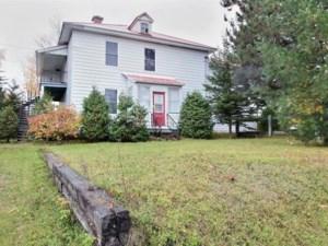 19558962 - Maison à étages à vendre