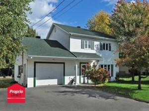 18129942 - Maison à étages à vendre