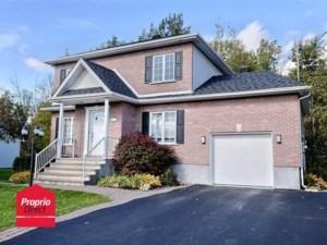 18498663 - Maison à étages à vendre