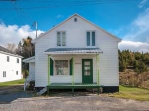 23251886 - Maison à 1 étage et demi à vendre