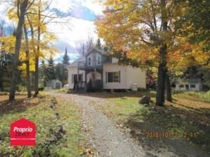 27438050 - Maison à étages à vendre