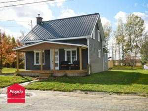 20728052 - Maison à étages à vendre